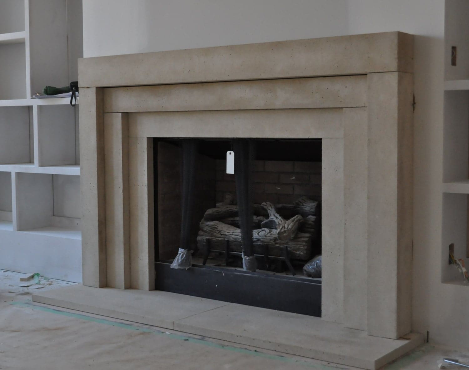 Cast stone fireplace mantel contemporary modern traditional - Large contemporary stone fireplace ...