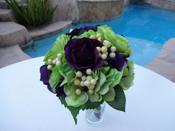 Bridesmaid bouquet in plum and lime green