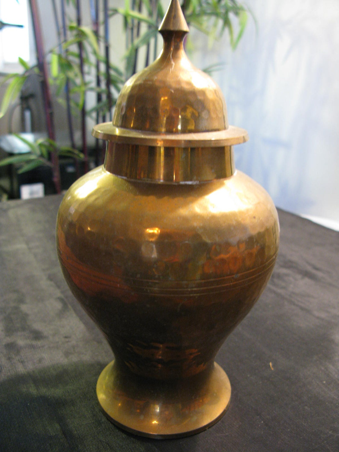 Hammered brass ginger jar india brass home decor urn for Brass home decor