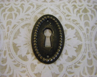 Oval Beaded Keyhole escutcheon charm pendant connector focal steampunk supplies
