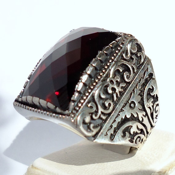 925 sterling silver men 39 s ring with garnet by karajewelsturkey. Black Bedroom Furniture Sets. Home Design Ideas