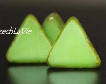 Picasso Czech Triangles Lt. Green Opaque Green Picasso (6-T54000)