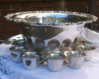 Punch Bowl - 11 Cups - Silver Plate - Vintage - Weddings - Parties