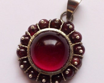 New Handmade Sterling Silver Pendant With Garnet Stones, Gemstone Jewelry, Pure Silver Jewelry, Best Selling Gift, Garnet Sun