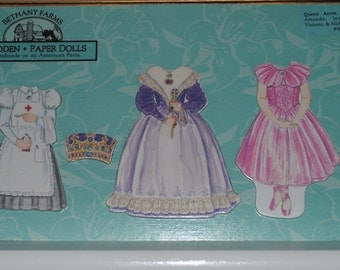 Bethany Farms Wooden Paper Doll-Queen Accessories