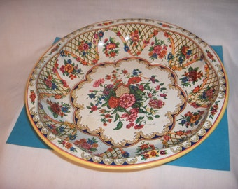 1971 DAHER Decorated Tin Dish 1971 Made in England Wall Decoration