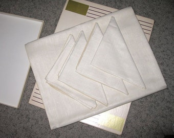 Vintage Retro Fifties Timely Linens New in Box Set of 4 Napkins W/Matching Square Tablecloth Natural Excellent Condition