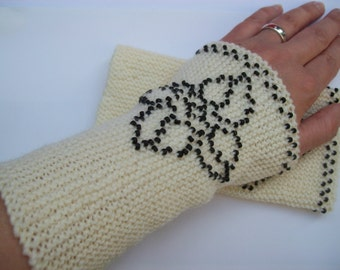 Knitted off-white arm warmers with beads