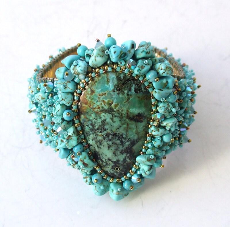 Blue bead bracelet seed embroidered