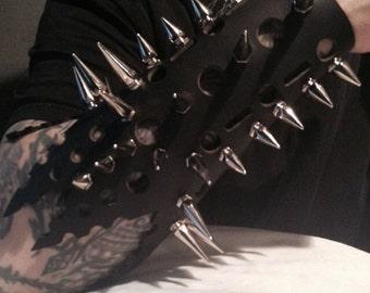 Spike Black Leather Gaunlet