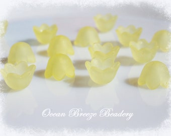 Frosted Lucite Acrylic . Flower  Beads . 25 for you .10mm . Pastel Lemon Yellow