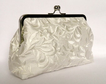 Bridal clutch purse, Wedding Clutch Purse, Embroidered Silk Design, Brides Clutch Purse, Ivory Embroidered Silk Clutch