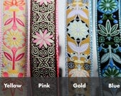 Pinwheel flowers dog collar - Available in four different colors: Yellow, Pink, Gold, and Blue. 1 inch dog collar.