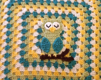 Contemporary Granny Square Afghan - Sleepy Owl Baby Blanket in Yellow, Green and White