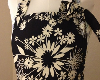 Black and White Floral Full Apron