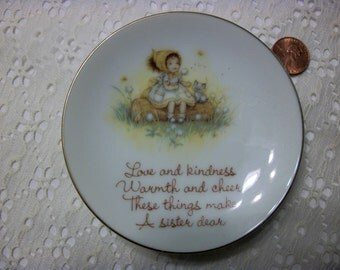Collector's Plate 4 inch Lasting Treasuries These things made a sister dear 1973 made in Japan for American Greetings