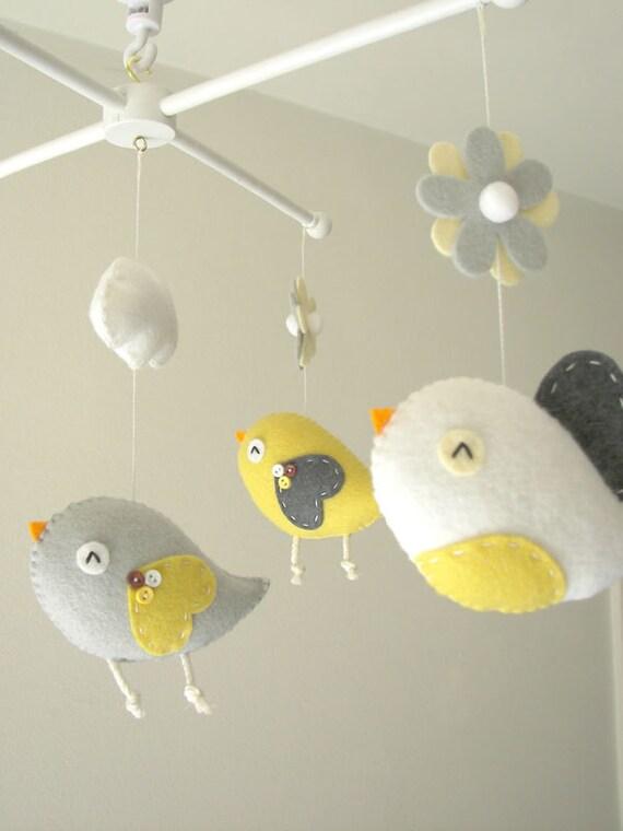 b b berceau mobile mobile oiseau feutre mobile par feltnjoy. Black Bedroom Furniture Sets. Home Design Ideas