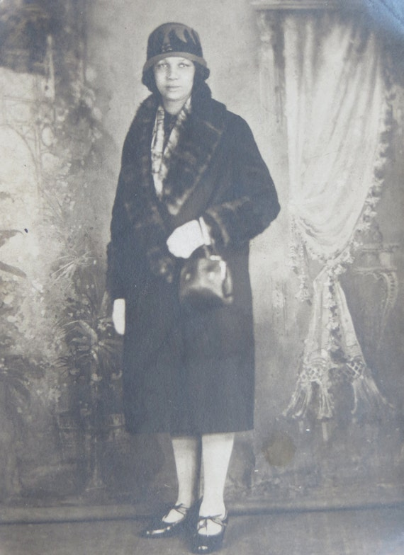 Wealthy 1920's African American Black Woman In Fur Coat ...