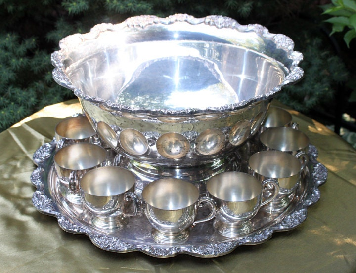 antique silver punch bowl 12 cups and ladles huge silver. Black Bedroom Furniture Sets. Home Design Ideas