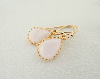 Teardrop glass stone earrings. Simple earrings. Everyday earrings.