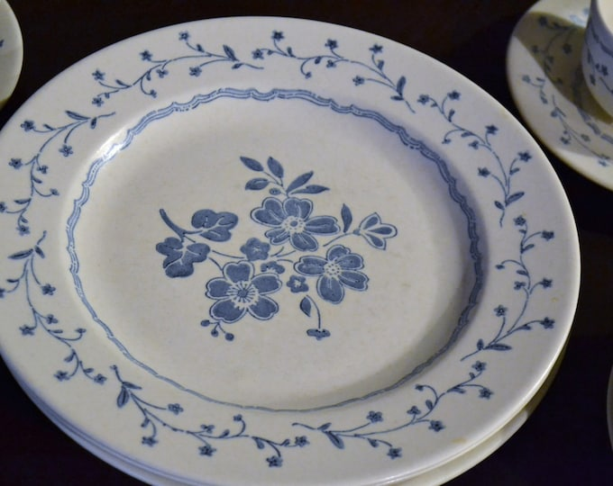 Vintage Royal China Americana Country Charm 3 Place Settings White Blue Floral PanchosPorch