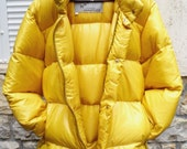 Rare 70S MONCLER Yellow Down Ski Puffer Bomber Jacket with OLD Logo @ Deadstock @ Made in France Grenoble @ Size 5 Men's L