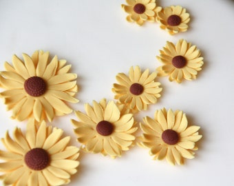 Deep yellow fondant daisies - different sizes - edible flower cake toppers, fondant flowers, edible cake decoration, wedding cake topper