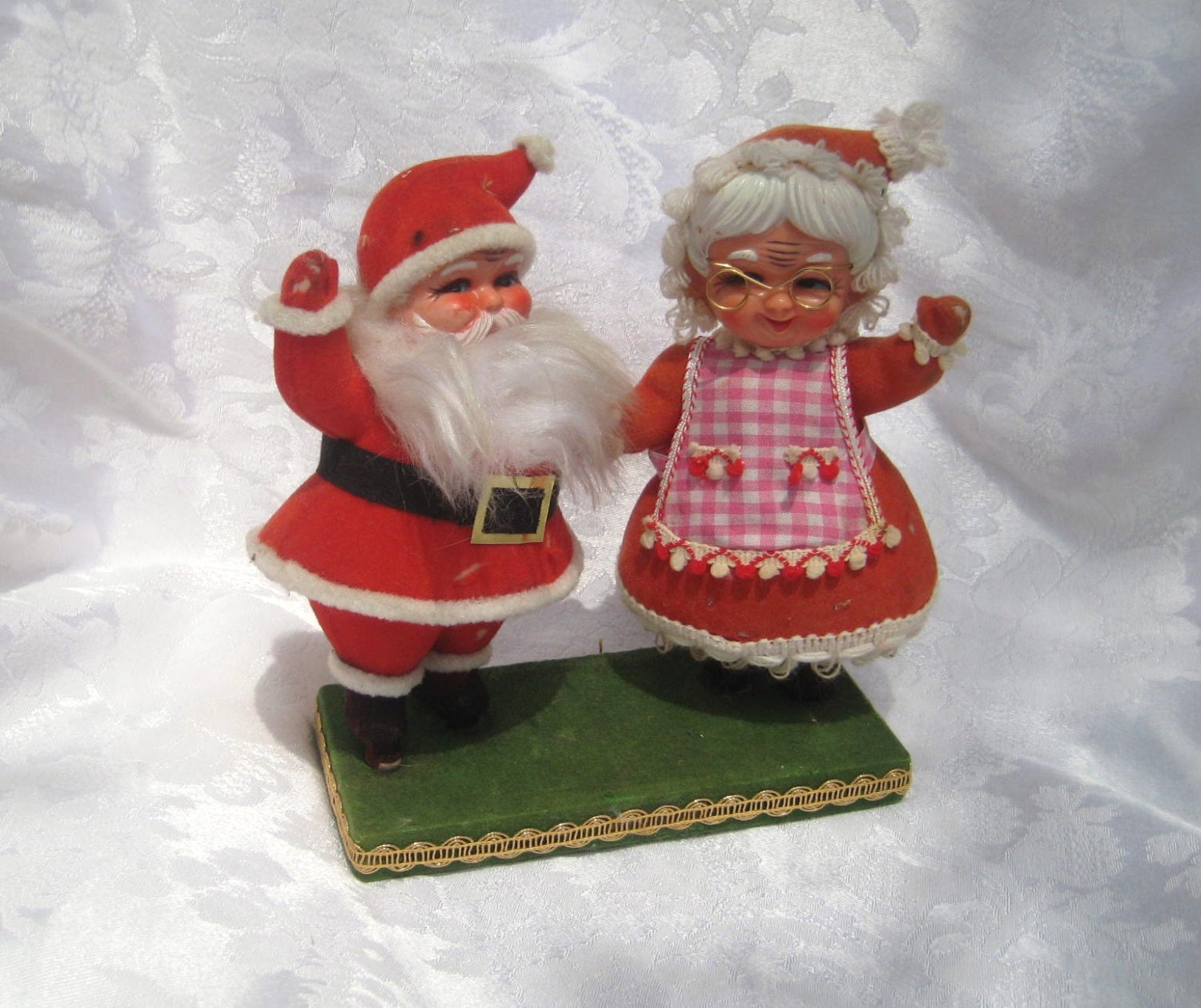 Lot Of 5 Vintage Christmas Decorations Kitsch Santa Claus: Santa Clause And Mrs. Clause Figurine Vintage Santa Clause