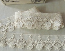1 Yard Vintage style Cotton Crochet Lace Trim - lovely Flower #331