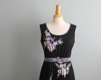 Vintage ' 70s Dress Purple Flowers//Vintage 70s dress with flowers in lilac white purple, most suitable for size M