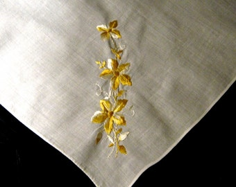 Vintage White Handkerchief with Embroidered  Yellow Flower,White Hanky, Embroidered Hanky, Wedding Favors