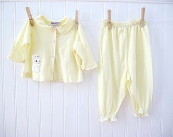 Vintage Baby Girl Clothes, Yellow PJ's, Bear Applique, Hollywood, Size 6-12 months