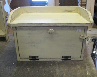 Country Kitchen breadbox