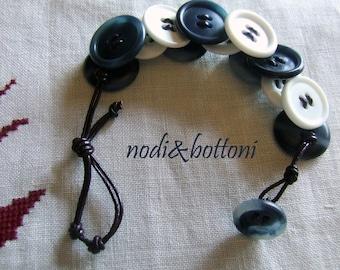 Double face blue-white bracelet