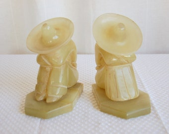 Onyx Kneeling Male and Female Book Ends - Sombrero, South American, Figurine, Sculpture