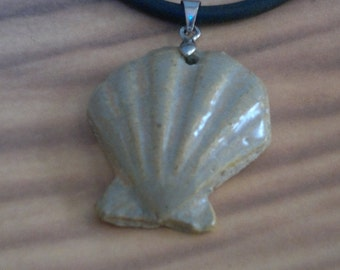 Shell sandy coloured ceramic necklace