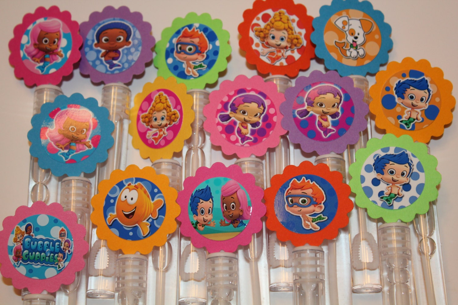 Bubble guppies mini bubble wand party favors set of 15 for Mini bubble wands