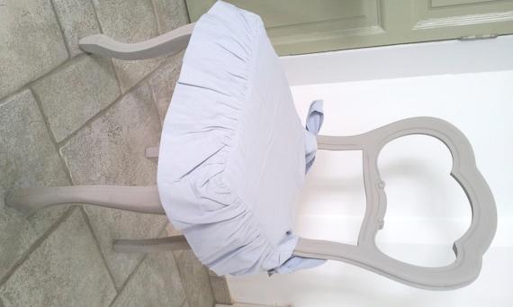 Articoli simili a sedia in stile shabby dipinta con chalk for Sedia e un nome primitivo o derivato
