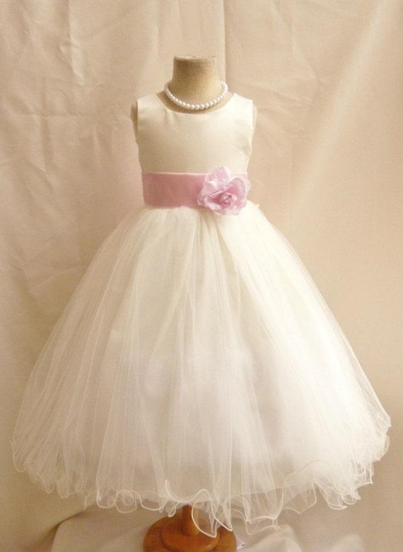 blumenm dchen kleider ivory mit rosa licht von nollacollection. Black Bedroom Furniture Sets. Home Design Ideas