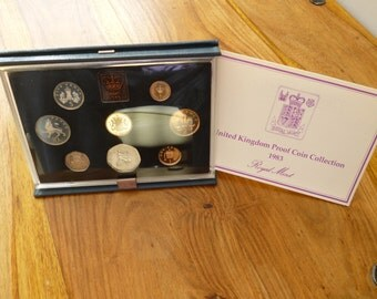 United Kingdom Royal Mint 1983 Proof 8 Coin Year Set housed in Royal Mint Blue padded case with leafet.