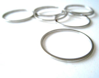 20pcs Silver Tone Circular Round Closed Ring Charm 22mm (CHM-OS-CR0022)