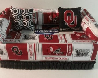 Oklahoma University Sooners Fabric Tissue Box Cover