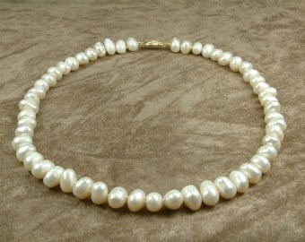White Pearl Necklace 8 - 9 mm (Κολιέ με Λευκά Μαργαριτάρια 8 - 9 mm)