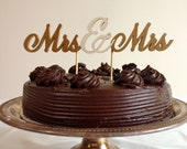 Mrs & Mrs - Classic Wedding Cake Topper With Ampersand Accent