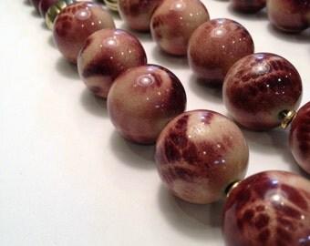 Beautiful burgundy bead neacklace