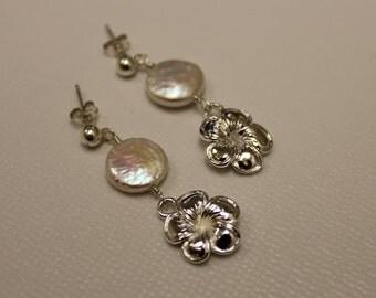 Silver Plumeria Pearl Earrings, Silver Frangipani Pearl Earrings, Hawaiian Wedding Earrings, Hawaiian Plumeria Pearl Earrings