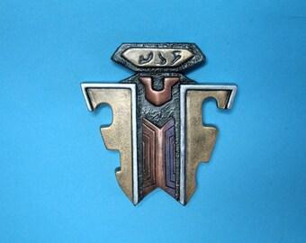 Star Trek Klingon MEDAL of VALOR  Resin Prop Pin