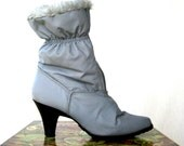 Nylon Snow Boots / 80s Sno Wings / Gray Faux Fur Winter Heeled Boots / Vintage Vegan Footwear /  Womens Size 9-10 - lovethatlingers