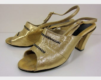 """Lovely 1960's """"Nite Aires"""" Gold Lurex Slingback Heels  - Made in England   - Size 3  - US 5.5"""