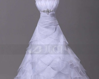 Fan-Shaped Neckline Dramatic Layered Wedding Gown Chic Tiered Wedding Dress W870